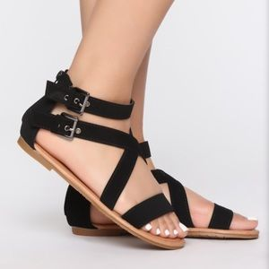 Fashion nova (new) black sandals